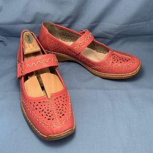 Reiker Mary Jane leather flats US size 9 EU sz. 40